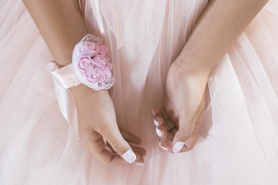 armreif strauss fuer die braut zur hochzeit auf ruegen | Hochzeitsportal Rügen