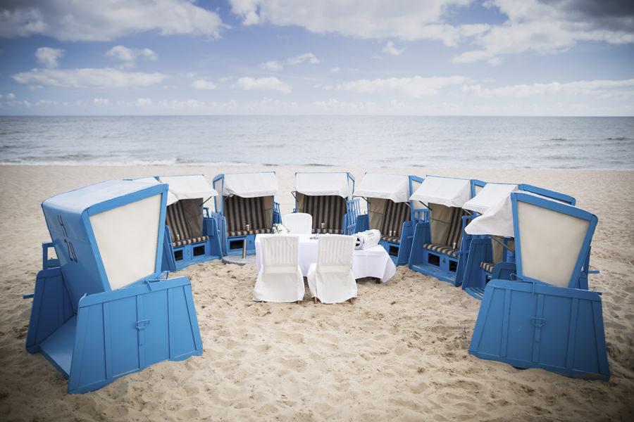 hotel-hanseatic-hochzeit-unter-freiem-himmel-strand-goehren