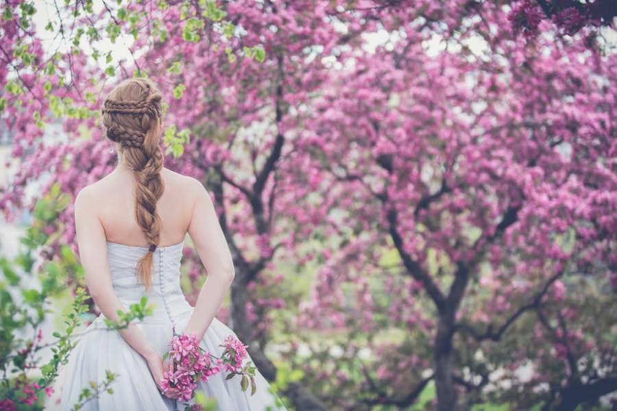 Hochzeitsfrisuren für die Braut – Friseure finden an der Ostsee im Hochzeitsportal Rügen