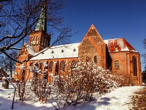 Kirche Bergen – kirchlich heiraten auf Rügen an der Ostsee