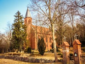 Dankeskirche Sehlen – kirchlich heiraten auf Rügen an der Ostsee
