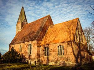 Kirche Zirkow – kirchlich heiraten auf Rügen an der Ostsee