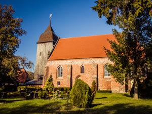 Kirche Zudar – kirchlich heiraten auf Rügen an der Ostsee