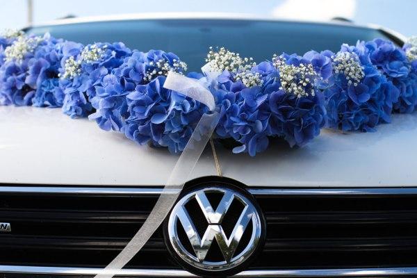 heirat ruegen hochzeitsblumen am auto | Hochzeitsportal Rügen
