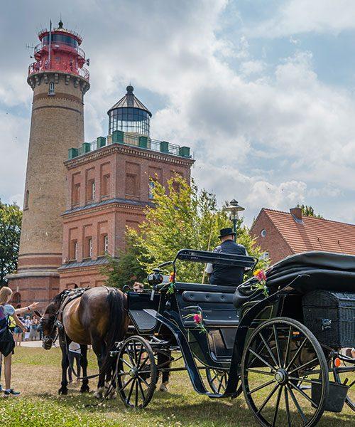 hochzeitskutsche kap arkona foto mirko boy | Hochzeitsportal Rügen