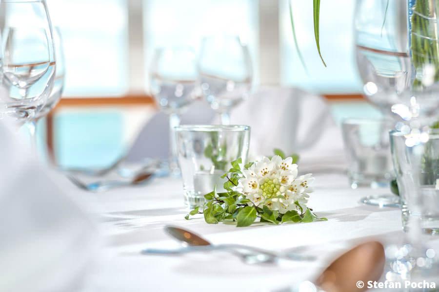 Hochzeitsdeko für Heirat auf Rügen in der Seebrücke Sellin an der Ostsee