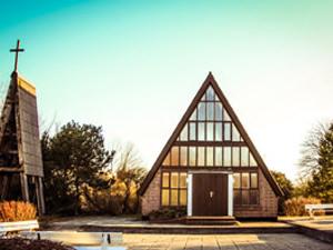 Glowe Kirche auf der Insel Ruegen | Hochzeitsportal Rügen