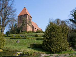 Kirche Garz Insel Ruegen | Hochzeitsportal Rügen