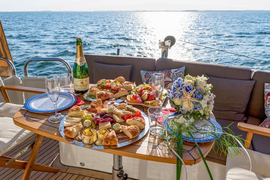 catering-zur-hochzeit-auf-dem-hochzeitsschiff-darie