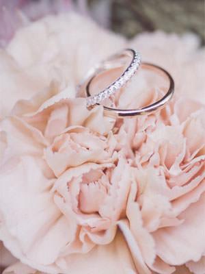 hochzeitsschmuck verlobungsringe aussuchen auf ruegen | Hochzeitsportal Rügen