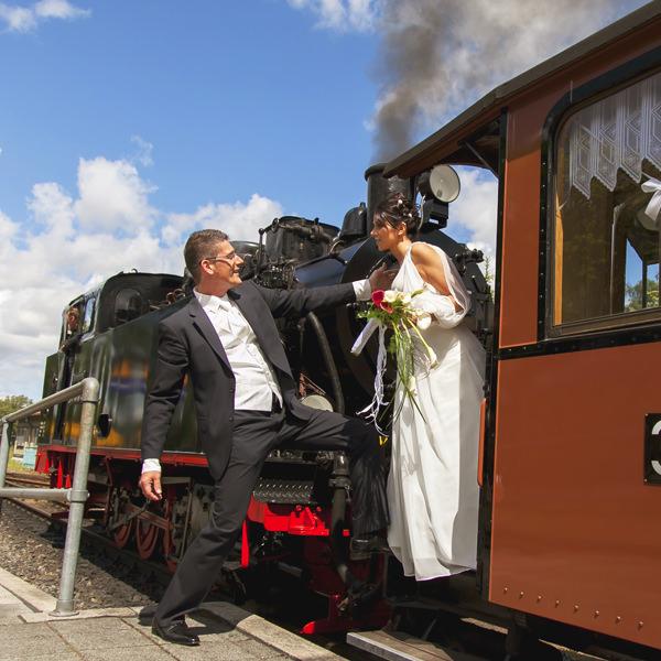 heiraten im rasenden roland dampflock auf ruegen   Hochzeitsportal Rügen