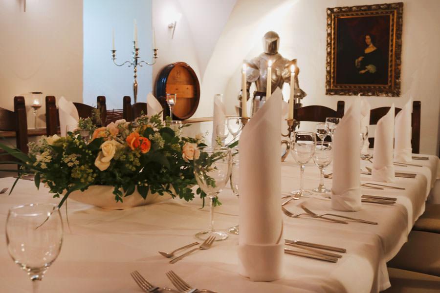 restaurant-wrangel-schloss-spyker-auf-ruegen-fuer-hochzeitsfeiern