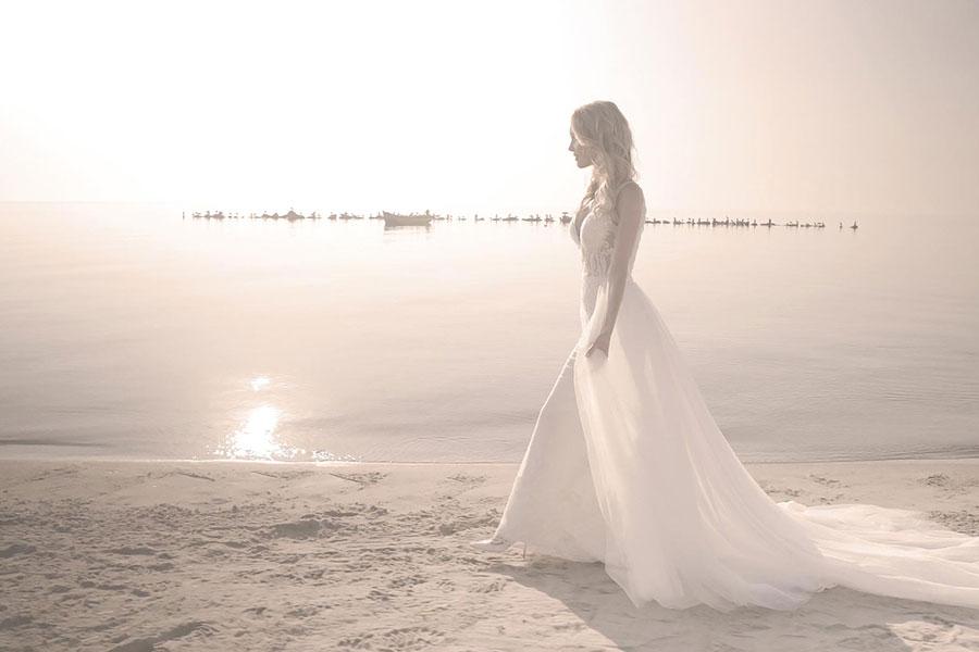 brautkleid strand foto frida claire stralsund | Hochzeitsportal Rügen